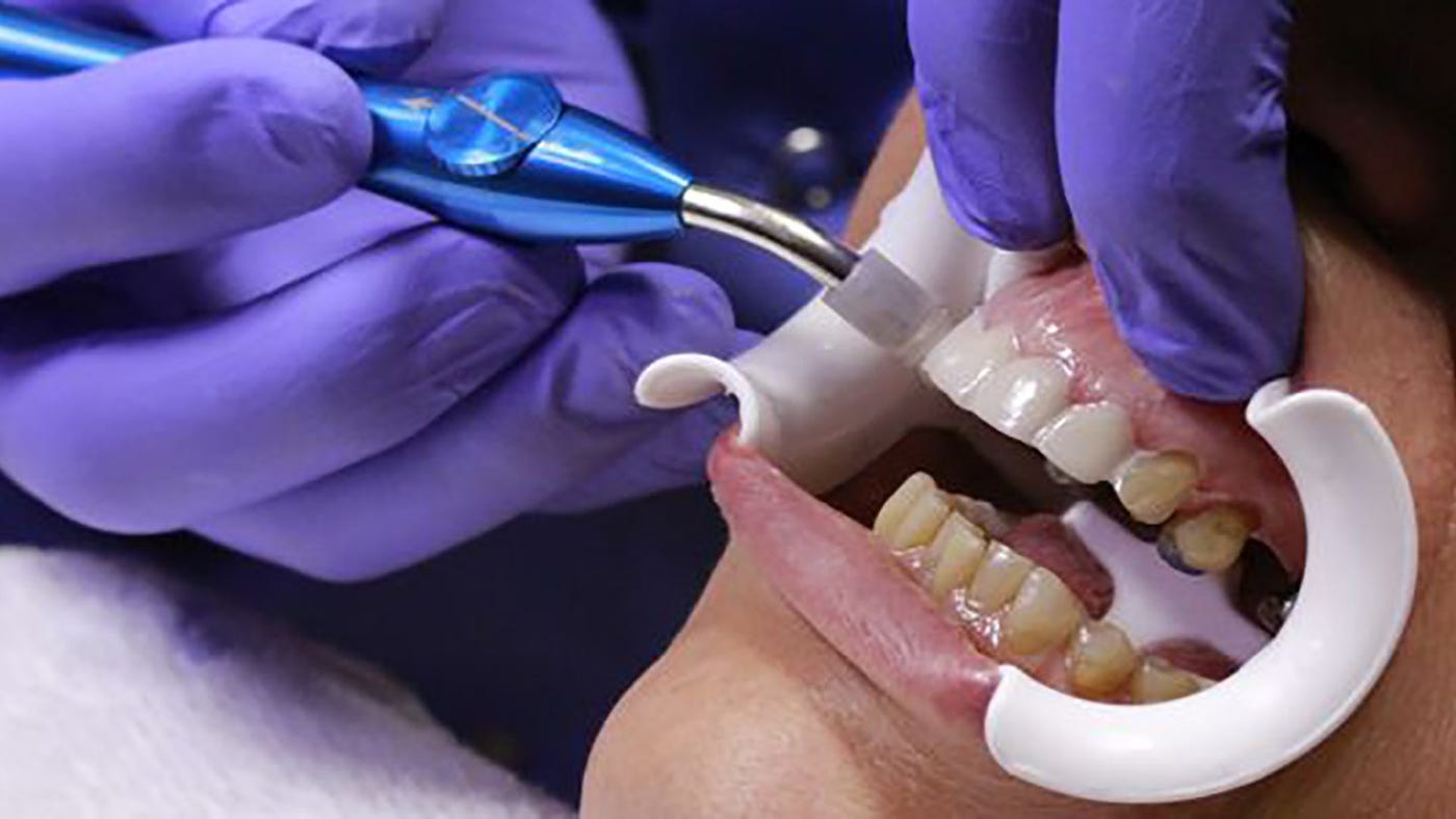 Live Placement Cosmetic Dentistry Course